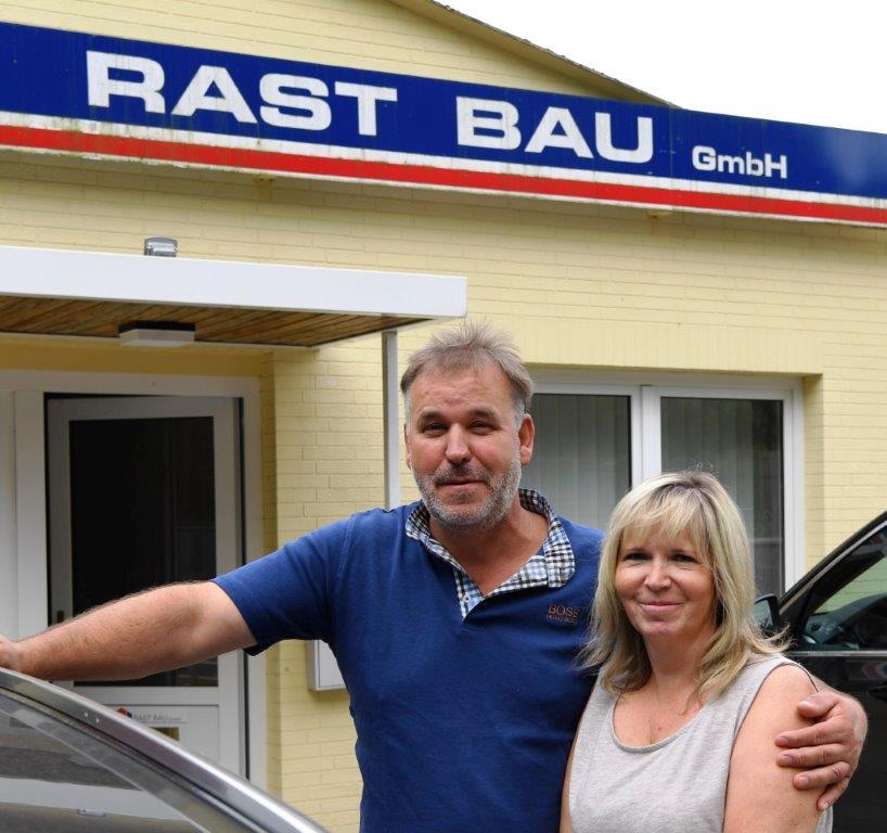 Sellin auf Rügen vor dem Bauunternehmen: Jörg und Grit Riemer